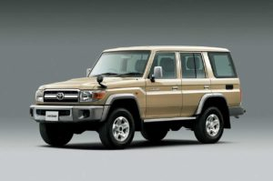 2014_toyota_land_cruiser_70