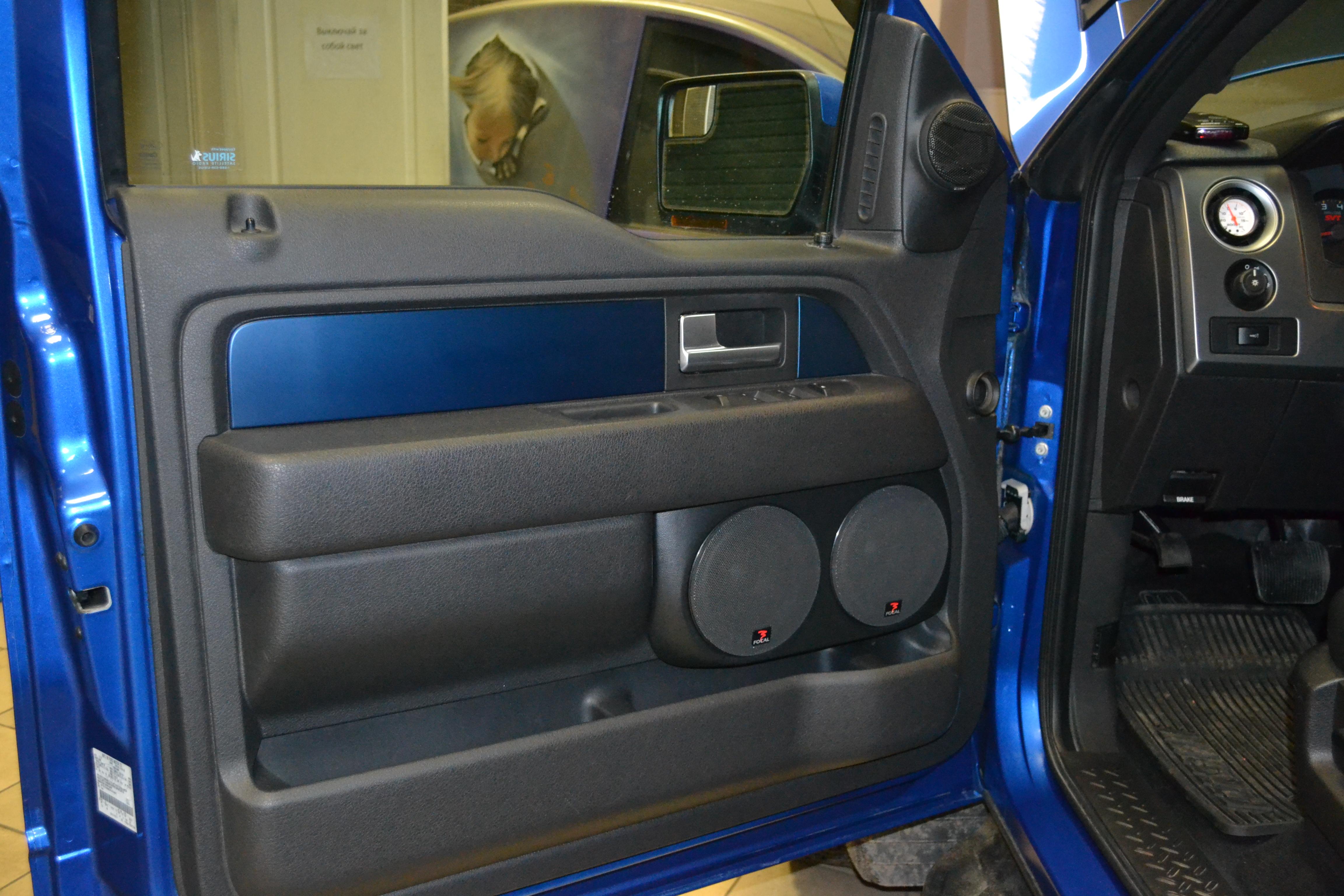 Установка в Ford Raptor
